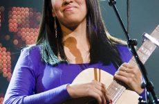 Jasmine Netsena remporte le tout premier  Prix de l'auteur-compositeur autochtone de la Fondation SOCAN