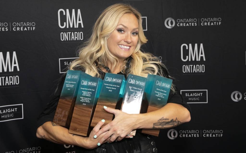 Meghan Patrick remporte cinq prix, dont celui présenté par la SOCAN, aux CMAO Awards 2019