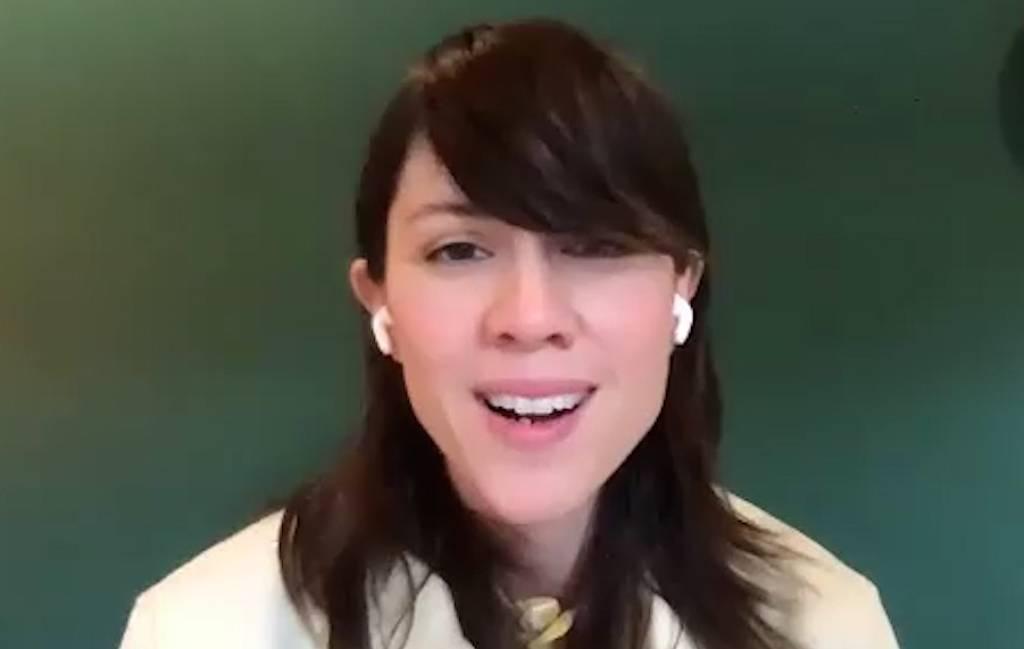Entrevue vidéo : À la maison en compagnie de Sara Quin