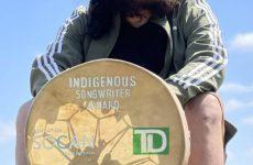 Leonard Sumner remporte le prix de l'auteur-compositeur autochtone 2021