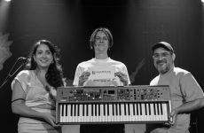 Prix de la chanson SOCAN : Thierry Larose reçoit son clavier Yamaha et sa carte-cadeau de Long & McQuade